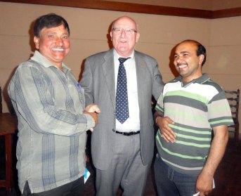 रूस के राजदूत अलेक्सेंडर एम कदाकिन के साथ