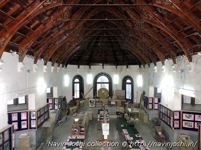हिमालय संग्रहालय के ऐतिहासिक भवन में मौजूद ऐतिहासिक धरोहरें।