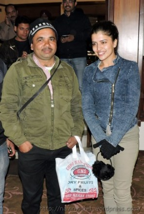 शैल ओसवाल के म्यूजिक एल्बम 'दिल की बातें' की हिरोइन चित्रा शुक्ला के साथ