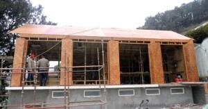 नैनीताल चिड़ियाघर में बम्बू कंपोजिट शीट्स से बन रहा भवन